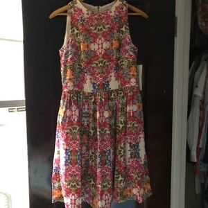 Maggie London floral patterned sleeveless dress